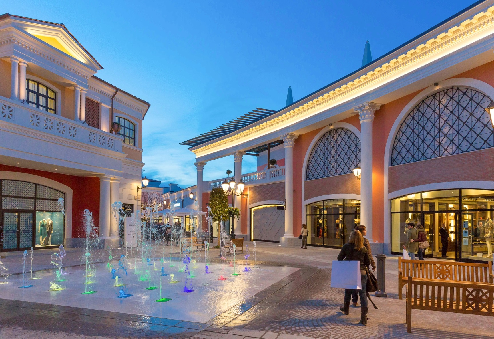 Stunning Outlet In Campania Gallery - Skilifts.us - skilifts.us