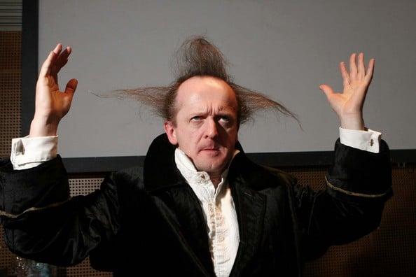 TOMAS KUBINEK, il lunatico clown dell'impossibile al Teatro Nuovo di Milano
