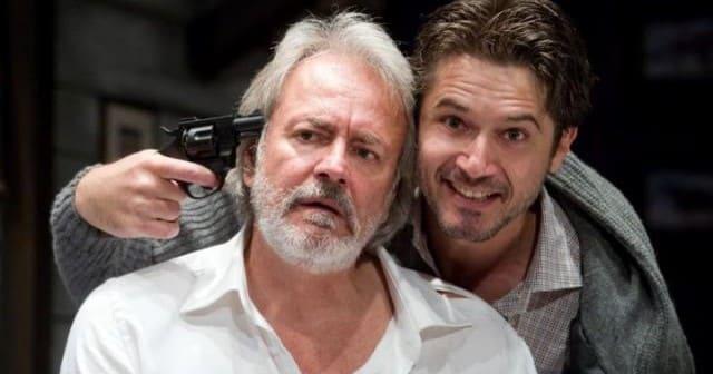 """Al Teatro Manzoni di Milano """"Trappola Mortale"""", una pièce che abbina divertenti  momenti comici a sorprendenti toni noir"""