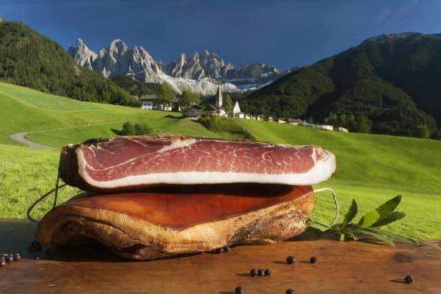 """Parte """"Vinci l'Alto Adige, il concorso che ti fa vincere una stupenda vacanza nella terra dello speck!"""