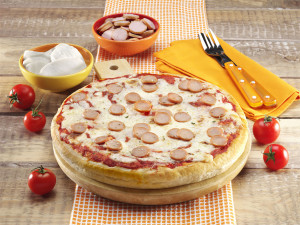 Pizza Regina Alta Wurstel_ambientato