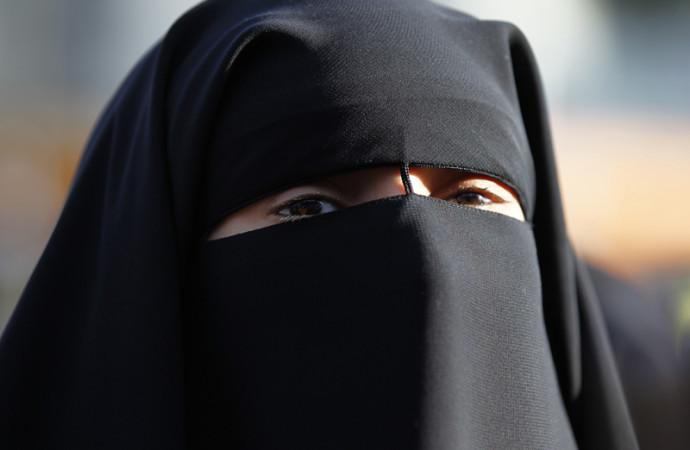 Il niqab dentro S.Siro
