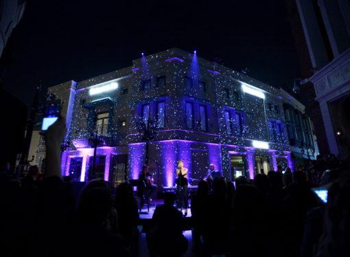 La boutique Tiffany & Co di Beverly Hills si rinnova, un party speciale celebra l'occasione