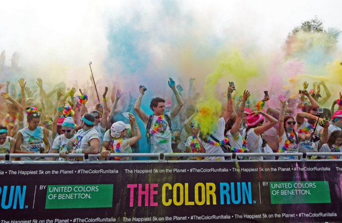 Parte il 20 maggio da Bologna The Color Run Dream World Tour 2017