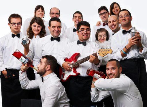 Stasera serviamo noi: il 5 aprile i ragazzi di Archè diventano barman d'eccezione al Cost Milano