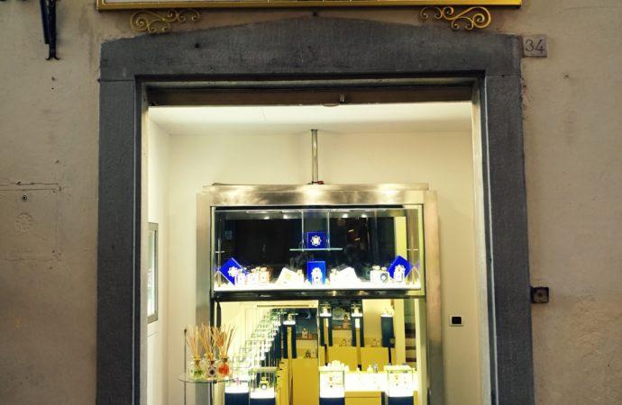 Nuovo punto vendita di  Acqua di Firenze nel centro del capoluogo toscano