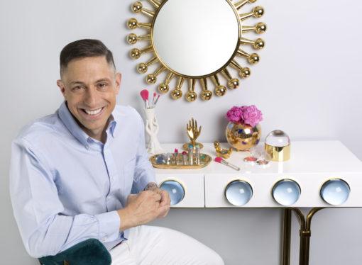 Il designer Jonathan Adler partner di  Clinique