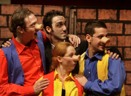 Per la rassegna Manzoni Family va in scena  I Tre Porcellini al Teatro Manzoni