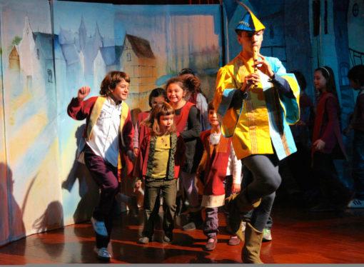 Al Teatro Manzoni  La leggenda del Pifferaio di Hamelin … quando gli spettatori diventano attori