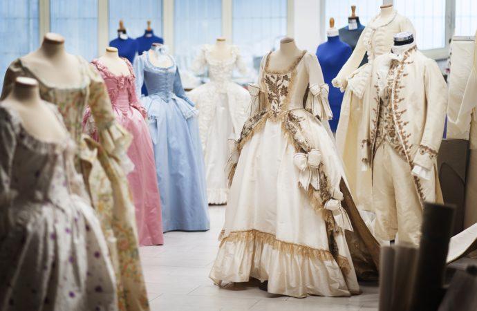 Al Museo del Tessuto di Prato va in scena una mostra dedicata ai costumi del film Marie Antoniette di Sophia Coppola dall'11 febbraio al 27 maggio 2018