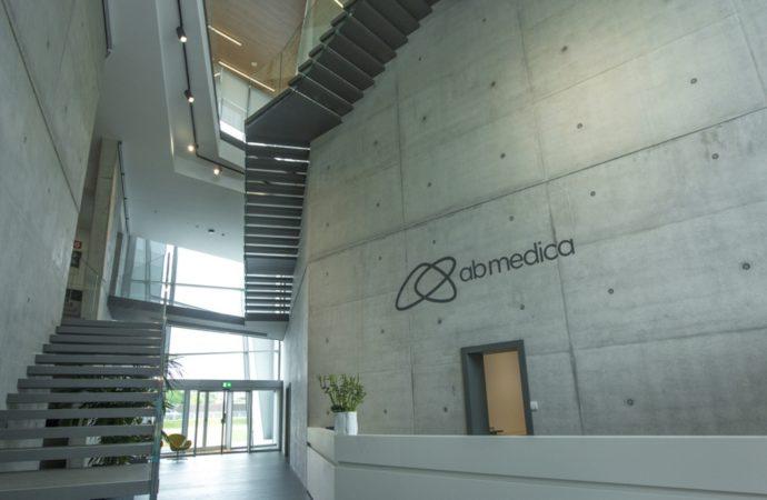 ab medica acquisisce WinMedical, azienda specializzata in dispositivi medici indossabili