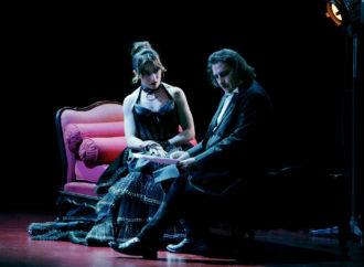 La commedia Venere in pelliccia in scena al Teatro Carcano