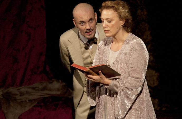 D'Annunzio segreto in scena al Teatro Manzoni con l'interpretazione di Edoardo Sylos Labini