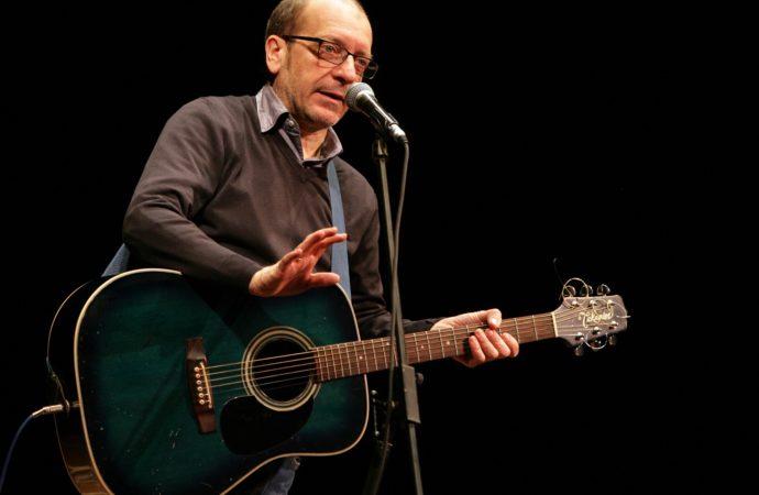 Il Teatro Delfino apre il 2018 con la comicità irriverente di Dario Vergassola