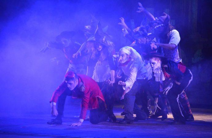 Al Teatro Manzoni Il Conte Dracula, una favola dai toni dark