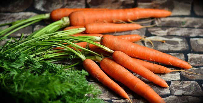 Addio carote, sono nelle verdure a foglia verde le sostanze che proteggono gli occhi diminuiscono il rischio dal 20 al 50%