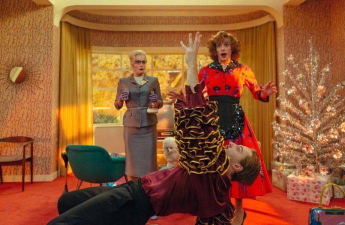 Al cinema nella black comedy Favola  uno straordinario (e irriconoscibile) Filippo Timi