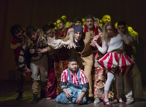Al Castello Sforzesco di Milano Disequilibri circensi, spettacolo rappresentato da attori reclusi