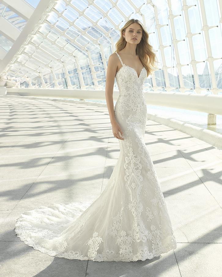 colore n brillante grande collezione gamma completa di articoli Presentata a Milano la nuova collezione di abiti da sposa ...