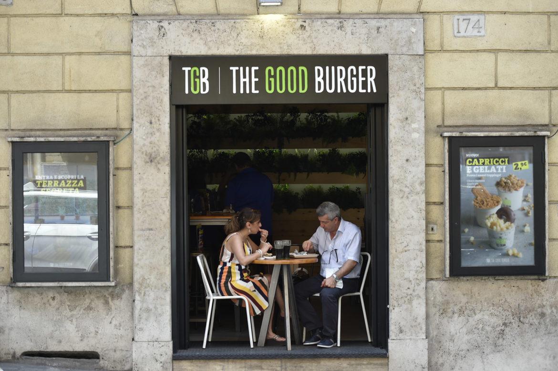 Ricerca Ixè: il 31% degli italiani mangia al bar almeno una volta al mese + il panino della salute