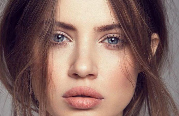 La modella Xenia organizza on line un'asta benefica dei suoi magnifici abiti e accessori