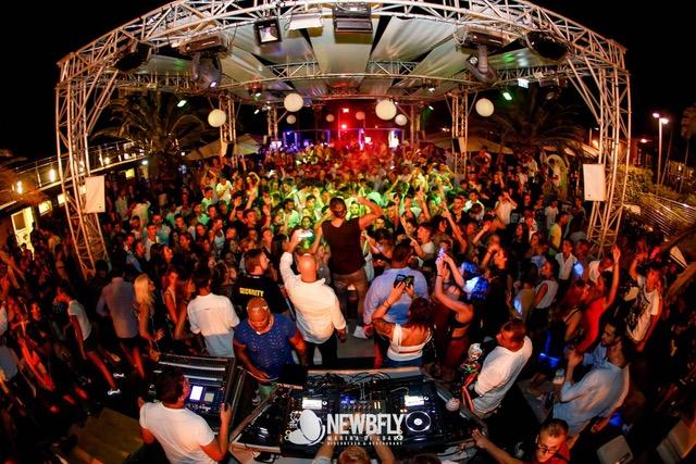 NewBfly c/o Ocean Bay Club – Loano (SV) by Golden Group – 9/8 Ale Mora, Luca Scremin 11/8 Snow party con Fabry Violino e Chicco MC, 14/8 Ferra – Gordon, 15/8 Festa della Schiuma