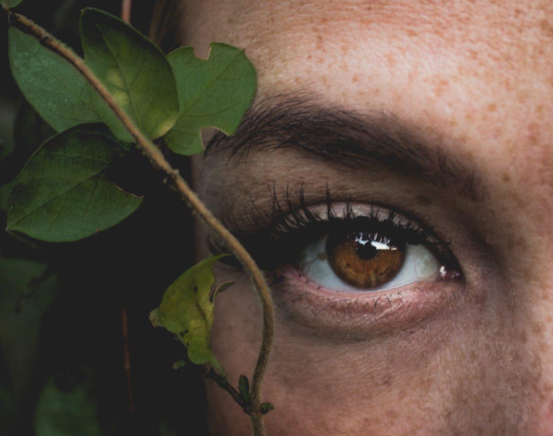 Borse e occhiaie: cause, rimedi e beauty routine