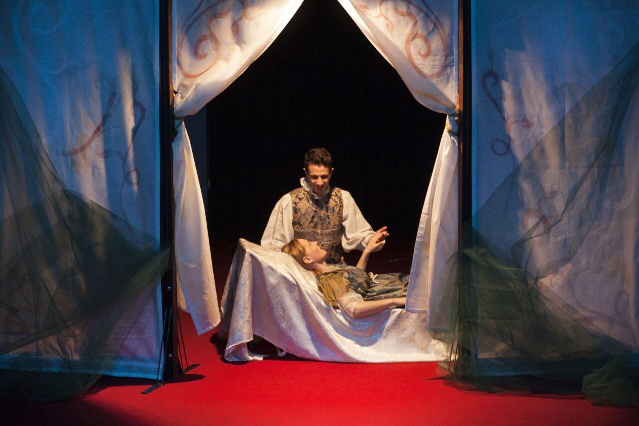 La Casa delle Storie al Teatro Manzoni e Teatro della Luna