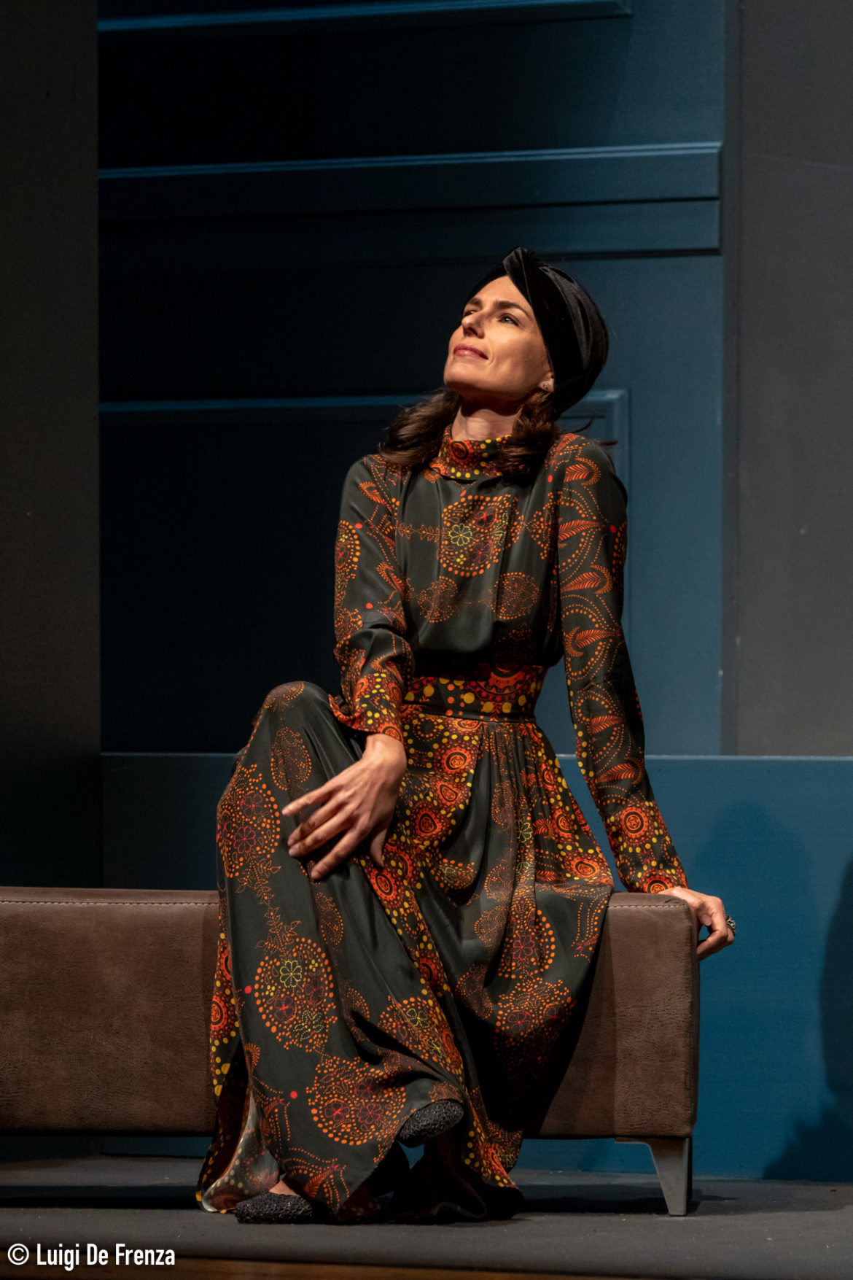 Al Teatro Martinitt Anna Valle nella divertente commedia Cognate