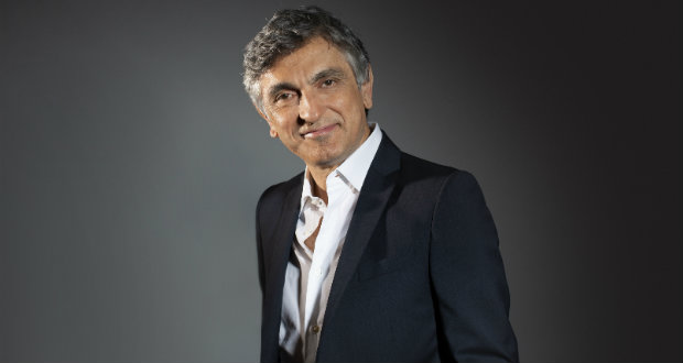 Vincenzo Salemme al Teatro Manzoni nella commedia Con tutto il cuore