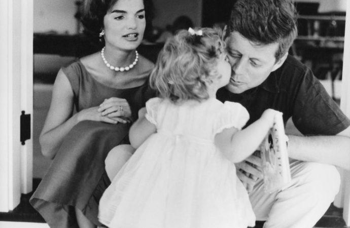 Mostra Kennedy Confidential: in 200 foto la storia privata della famiglia più famosa d'America
