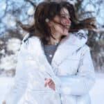 Capelli forti e belli anche in inverno: i consigli per prendersene cura