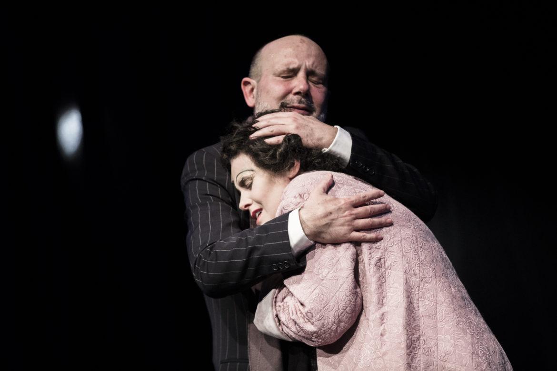 Al Teatro Gerolamo ÉDITH PIAF l'usignolo non canta più, omaggio alla famosa cantante francese