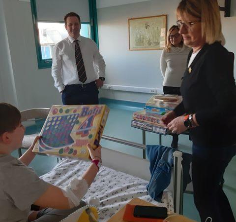 Nella Giornata Mondiale del Malato il Lions Club di Via della Spiga dona giochi ai bambini ricoverati