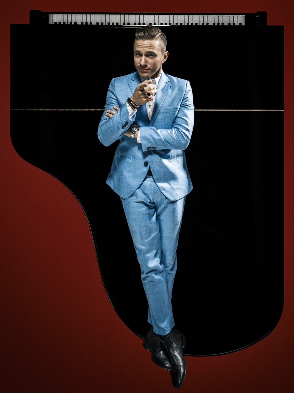 """Mattew Lee dal 1 marzo al Teatro Delfino di Milano con """"Piano Man"""""""