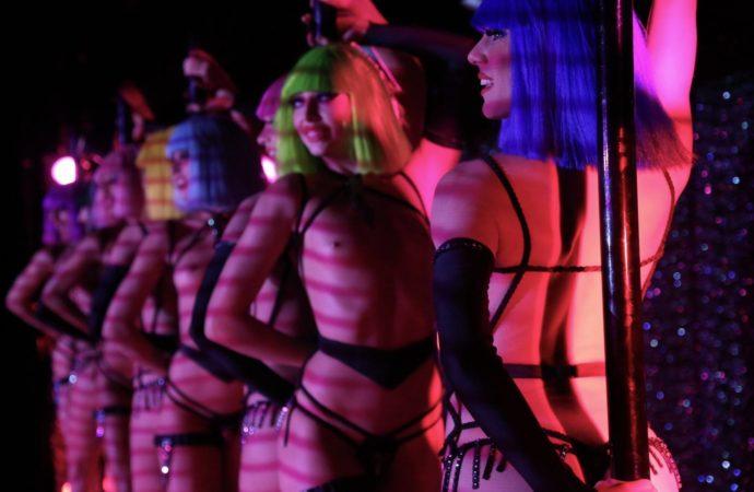 Al Teatro Nuovo  Forever Crazy, l'imperdibile spettacolo del Crazy Horse di Parigi