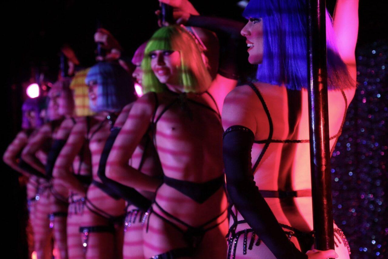 Al Teatro Nuovo Forever Crazy, l'imperdibile spettacolo del Crazy Horse