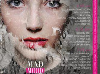 Milano fashion week: pubblico al buio, modelle e stilisti internazionali in piena luce