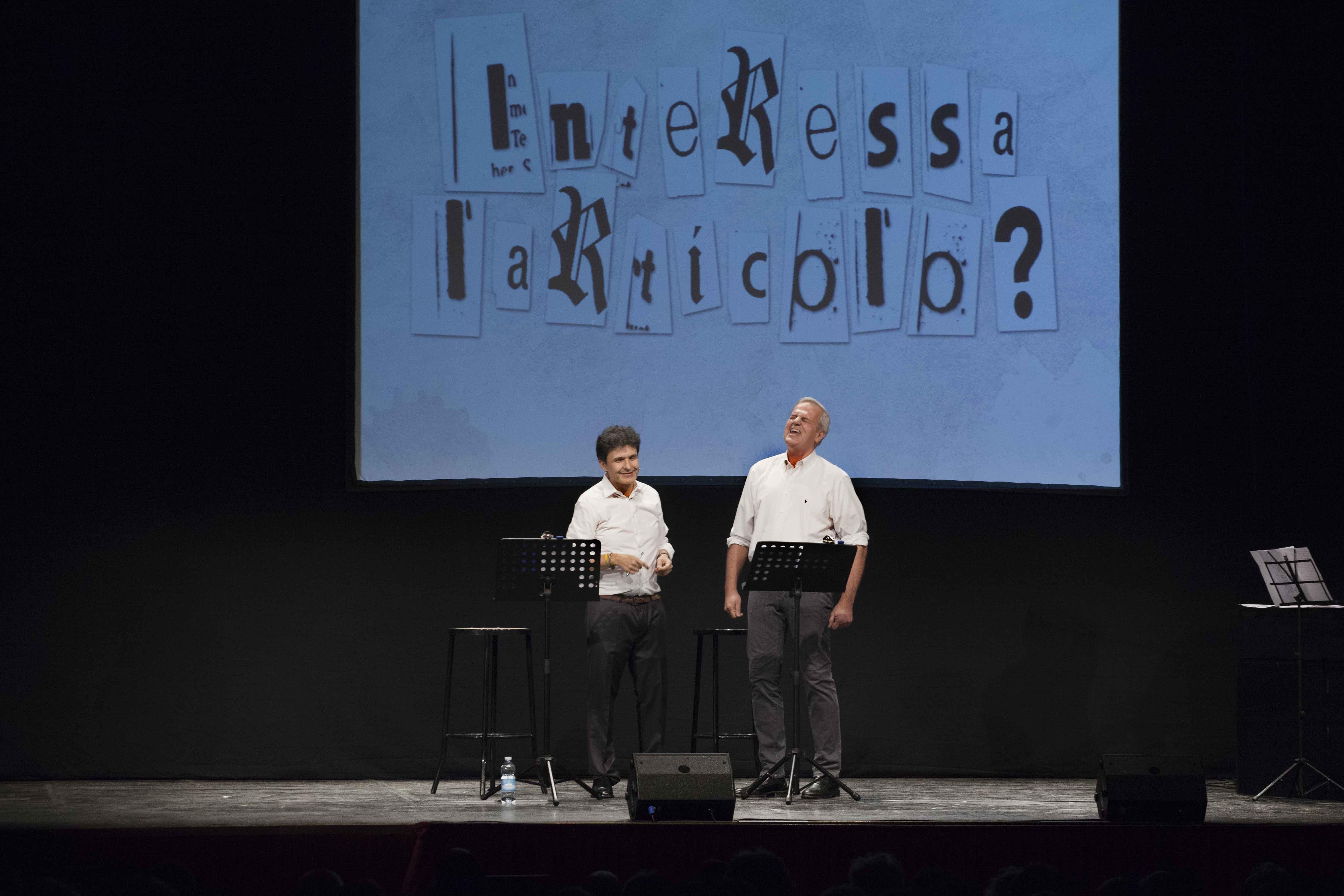 Teatro Manzoni: Enrico Bertolino in Interessa l'articolo?, spettacolo di attualità, politica e satira