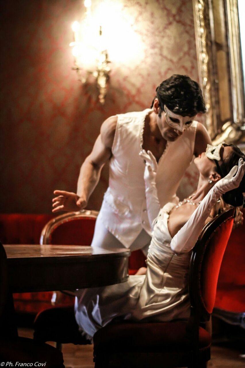 Al Teatro Carcano Sabrina Brazzo e Andrea Volpintesta inOPERA DANZA FESTIVAL