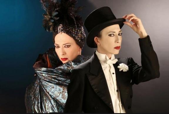 Al Teatro Nuovo Veronica Pivetti straordinaria interprete di Viktor und Viktoria