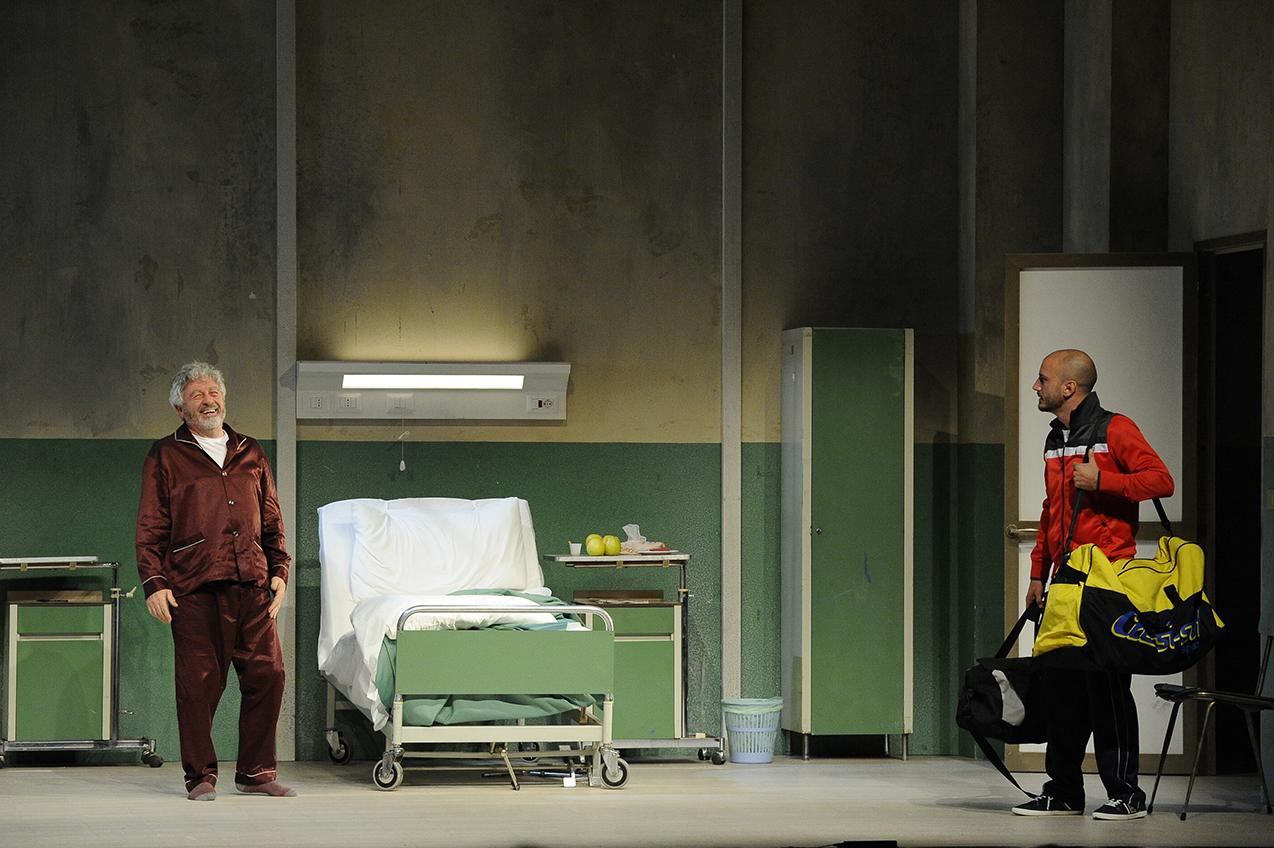 Al Teatro Martinitt lo spettacolo L'Operazione, tra umane debolezze e un pizzico di amarezza ...