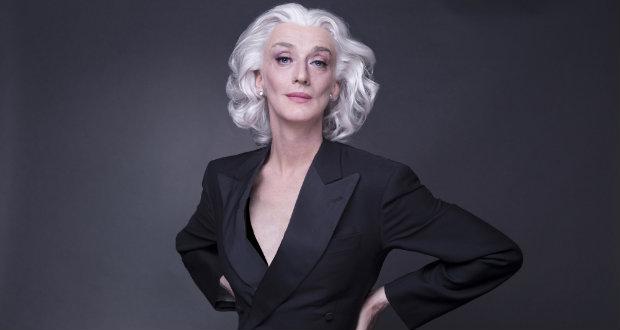 Al Teatro Manzoni lo spettacolo Eleganzissima, il recital di Drusilla Foer
