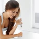 Una corretta idratazione per la salvaguardia del nostro sorriso