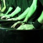 Al Teatro Franco Parenti in scena lo spettacolo No Drums dei Vulcanica