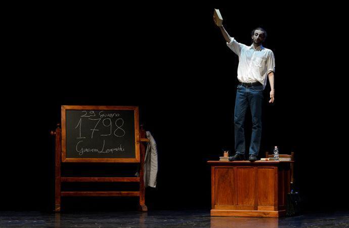 Teatro Leonardo: dal 29 novembre FUORI MISURA con Andrea Robbiano