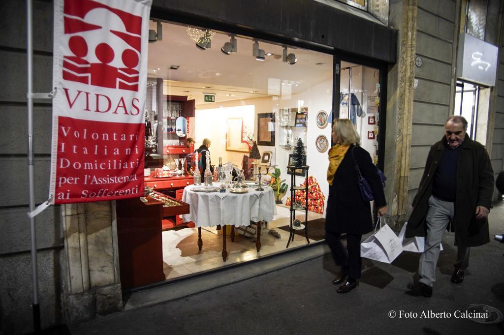 Tornano a Milano i Christmas shop Vidas