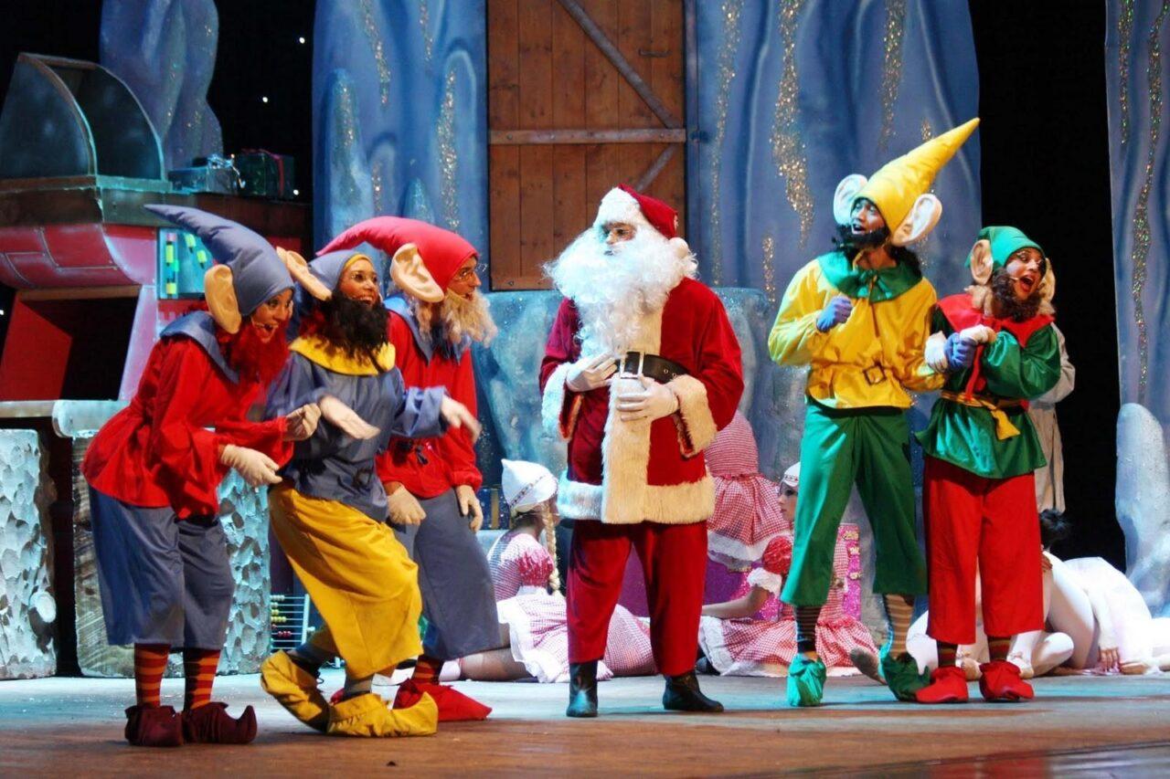 Al Teatro Manzoni Lo spettacolo di Natale con Babbo Natale in persona