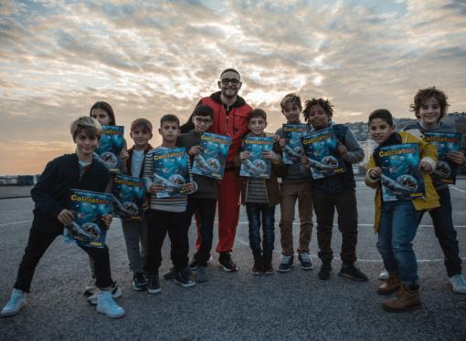 Collezione Calciatori Panini 2019-2020: nuovo testimonial il rapper Rocco Hunt