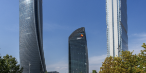 AGC, sue le facciate vetrate della torre Libeskind di City Life a Milano